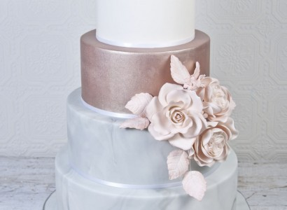 poročna torta rose gold