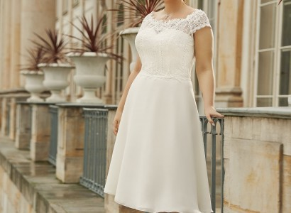 PRIVET plus size Bianco Evento bridal dress 1