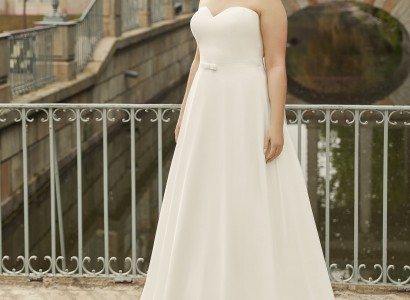 HARMONIA plus size Bianco Evento bridal dress 1