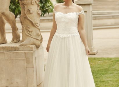 NESTA plus size Bianco Evento bridal dress 1