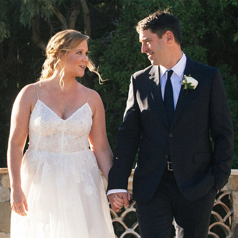 amy schumer chris fischer wedding 02