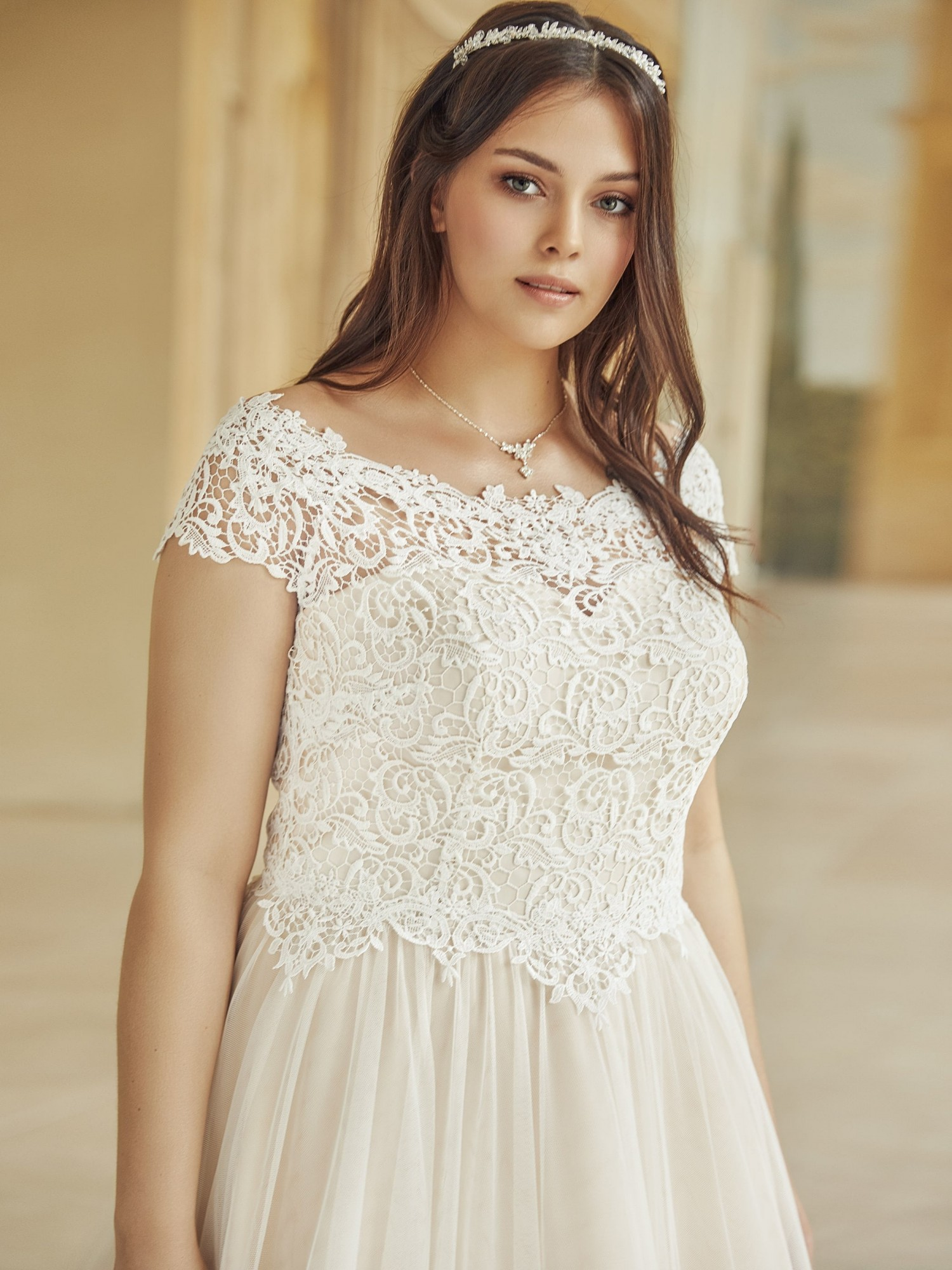SERENA plus size Bianco Evento bridal dress 1